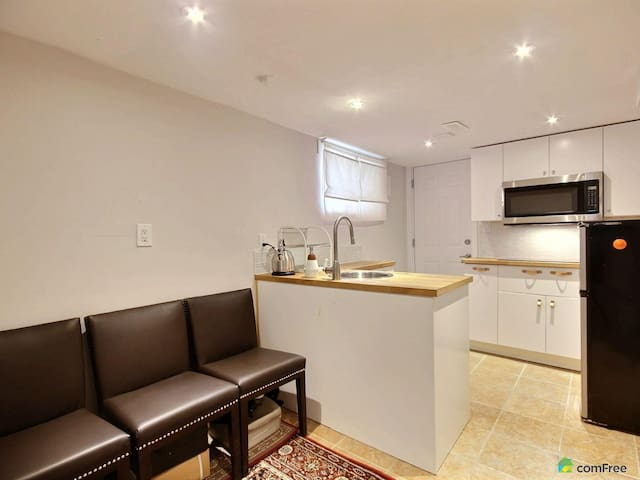 Newly renovated 2-bedroom flat! Private and Cozy
