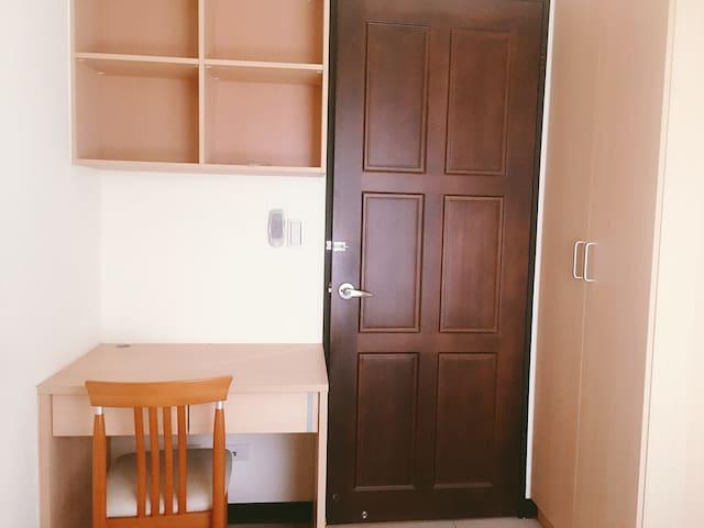 《南屯區》位於嶺東—太子新時代公寓~溫馨的家庭式客房
