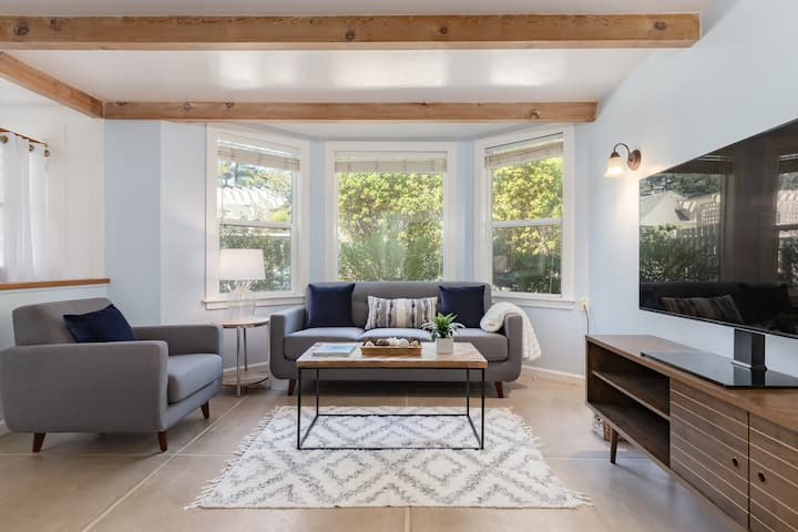 Walk to the Beach and Boardwalk from the Seabright Serenity