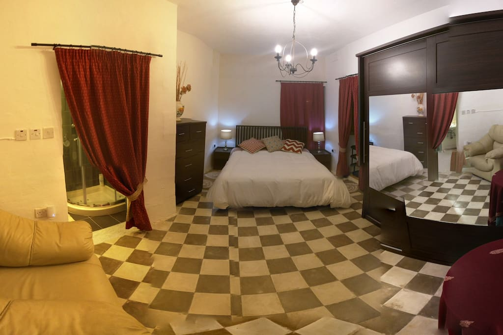 Full spheric view of the room featuring authentic traditional Maltese tiles.
