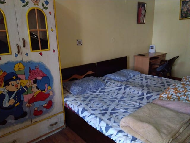 Comfy A/c room with free breakfast & veg meals