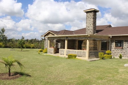 Country Home with City Vibe - Olchani Country Home