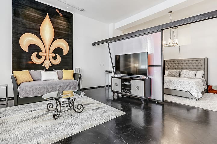 """Fleur De Lis"" - Street Car Out Front - 65"" TV"
