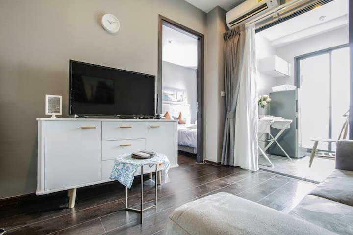 Luxury condo@Superb skyline view