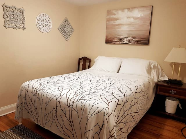 "Your Sarnia ""Home away from Home"" is right here!"