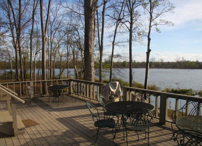 Tara's Halpino Lodge - Vicksburg - Cabin