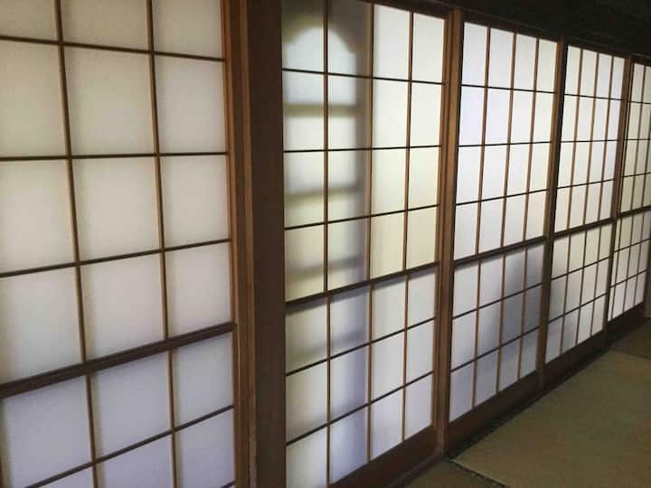 和風一軒家 Big Japanese house / 3000yen per person