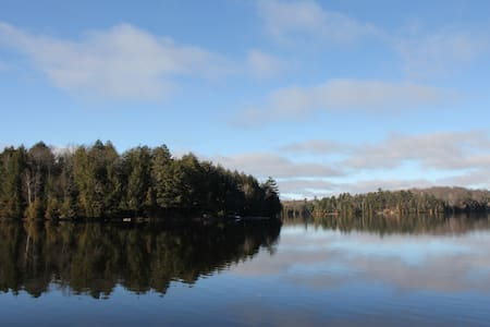 Gorgeous Waterfront Retreat Only 2 Hours From GTA - Parry Sound - 小木屋