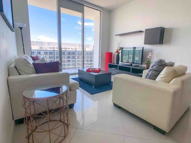 •LUXURY PENTHOUSE 5*THEBAYBEST OCEANVIEW MIAMI TOP