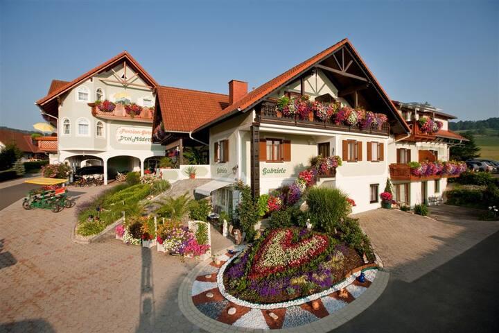 Familiär geführte Pension Drei Mäderl Haus