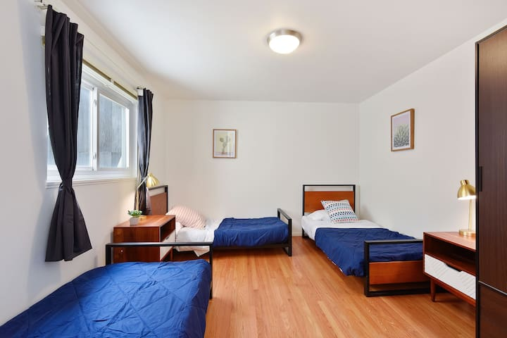 Shared room at Outpost Coliving / Japantown