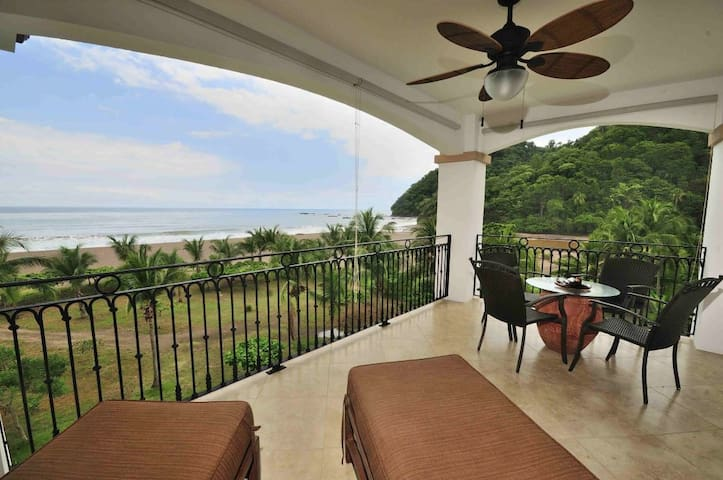 Spectacular Oceanfront condo with amazing views - Jacó - Flat
