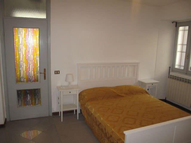 Camera matrimoniale appartamento piano terra