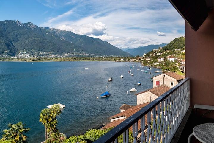 Lago Maggiore, opposite to Locarno, VIRA - lake !