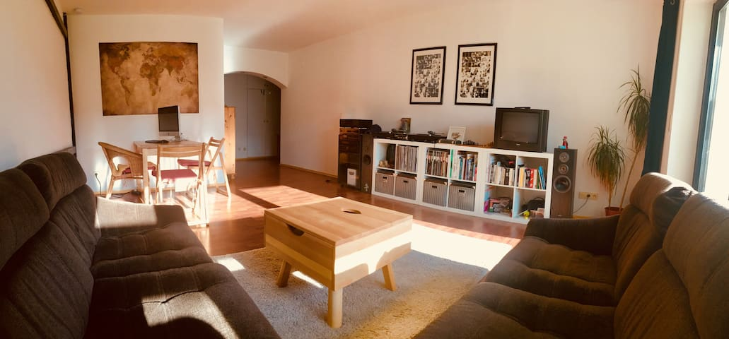Beautiful & cosy 65qm flat with sunny terrace.