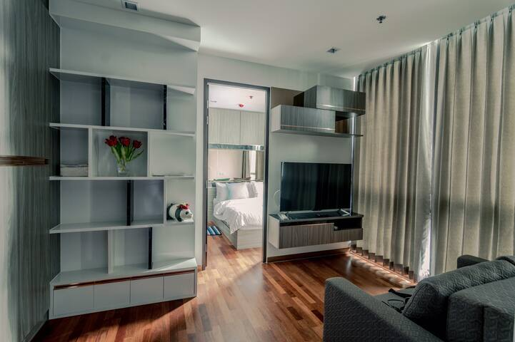 1 Bedroom New, cosy, central of BKK BTS Ratchatewi