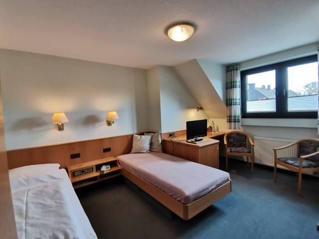 Hotel garni Zum Wolfsjäger - Zweibettzimmer