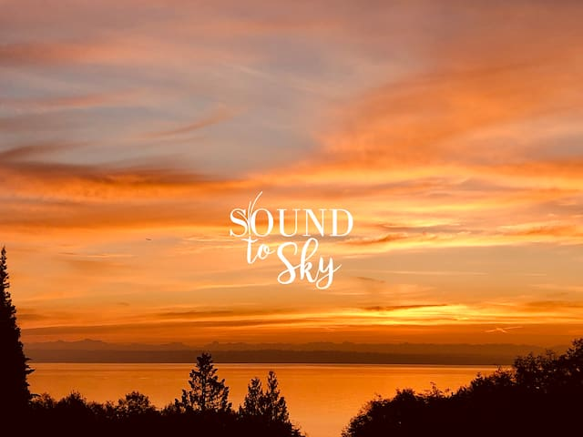 Imagine yourself waking to these October skies at the Sound to Sky House.  I think I am in heaven!