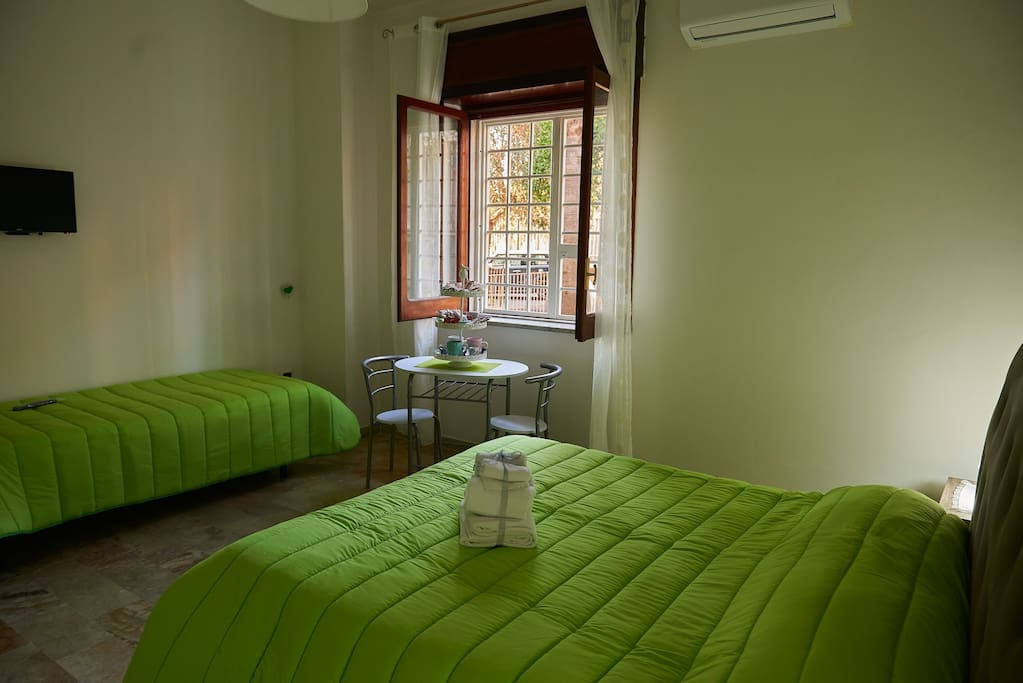 Room APOLLO