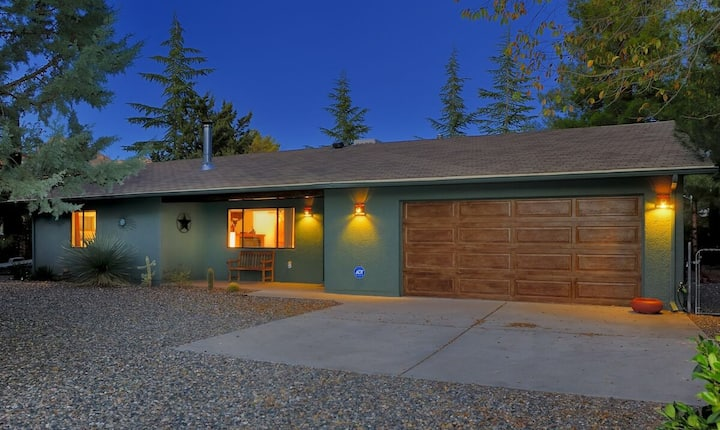 ~New Listing~ Andante Trail~ Rustic Cottage With Jacuzzi in West Sedona