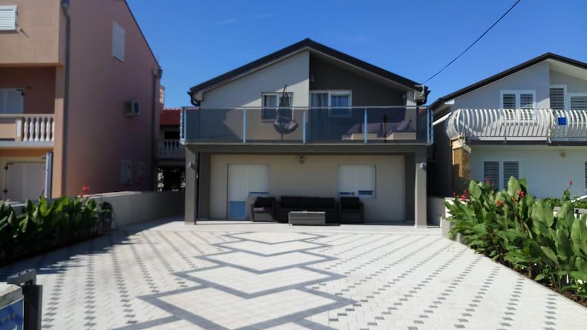 Exclusive beachfront property in Nin, top floor