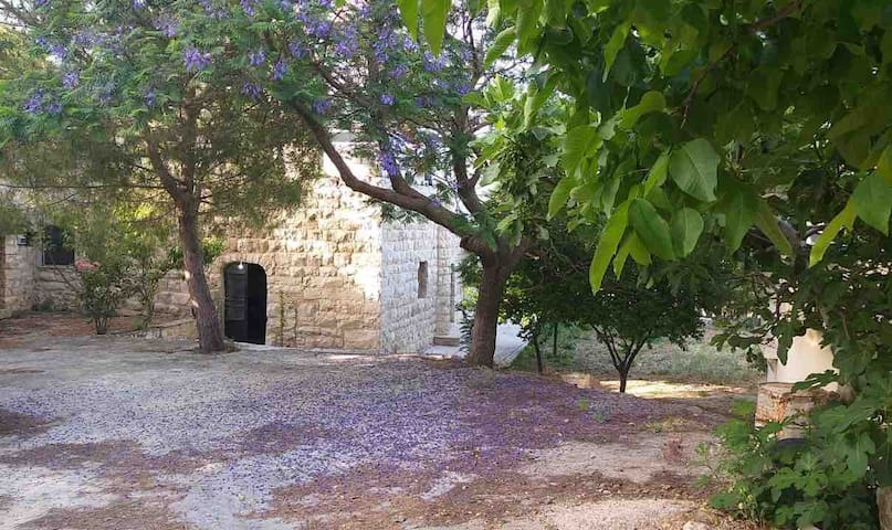 Charming *Beit Kfoun* Built in 1885- Byblos, Jbeil
