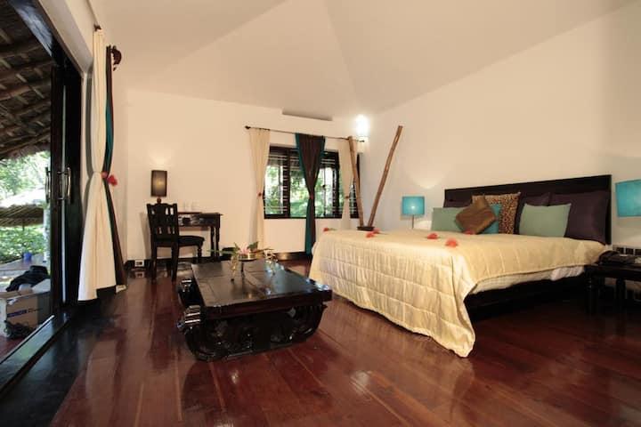 Cottage With Spice Garden View - Thekkady