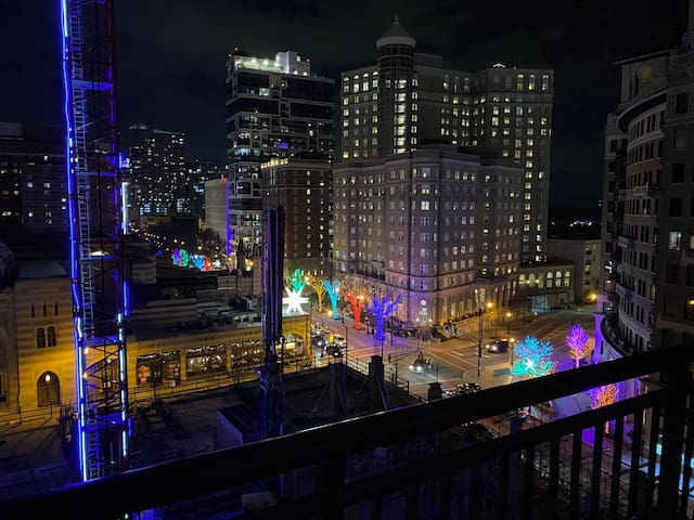 Atlanta Midtown Peachtree Condo w/City View