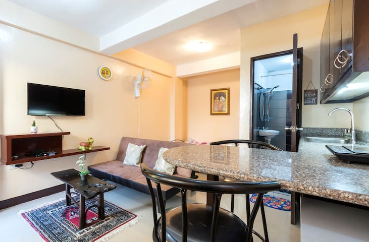 Apartment Studio Little Swiss House (WLAN/BALCONY) - Quezon City - Lejlighed