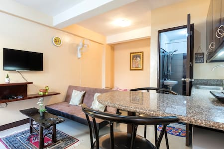 Apartment Studio Little Swiss House (WLAN/BALCONY) - Quezon City - Flat
