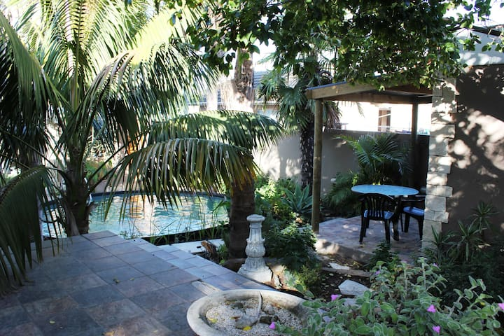 CAPE PALMS ACCOMMODATION - CAPE TOWN - Cape Town - Apartment