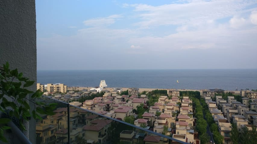 阿那亚海景空中墅,冬天躺在床上看日出,夏天倚在阳台吹海风。