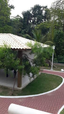 Ap Proximo a Praia de Manguinhos - Serra - Apartamento