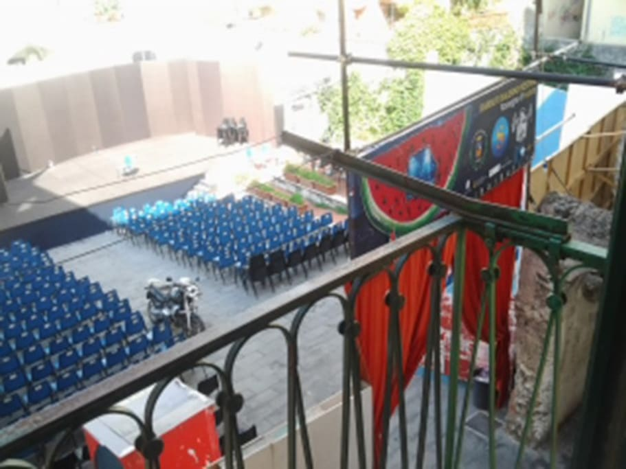 """AGOSTO: Teatro dei Barbuti  """"Palchetto d'onore""""  """"VIP balcony""""    ; )"""