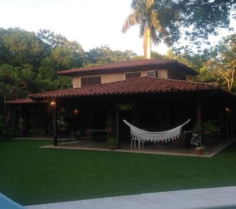 GRAN CASA EN SAN BERNARDINO - Ypacaraí - Haus