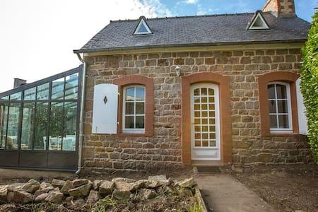 Jolie petite maison sur l'île de Bréhat