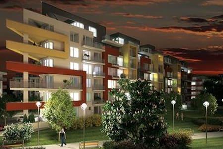 BASTIEN STUDIO near Airport with TERRACE, Zličín - Appartamento
