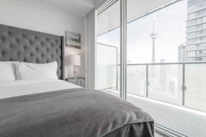 Metropolis Suites - PS Premium City/CN Tower View