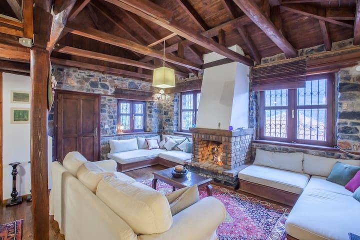 Cozy house with veranda, the perfect getaway