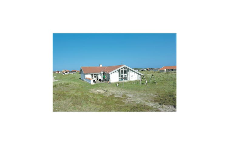 Holiday cottage with 4 bedrooms on 151m² in Thisted
