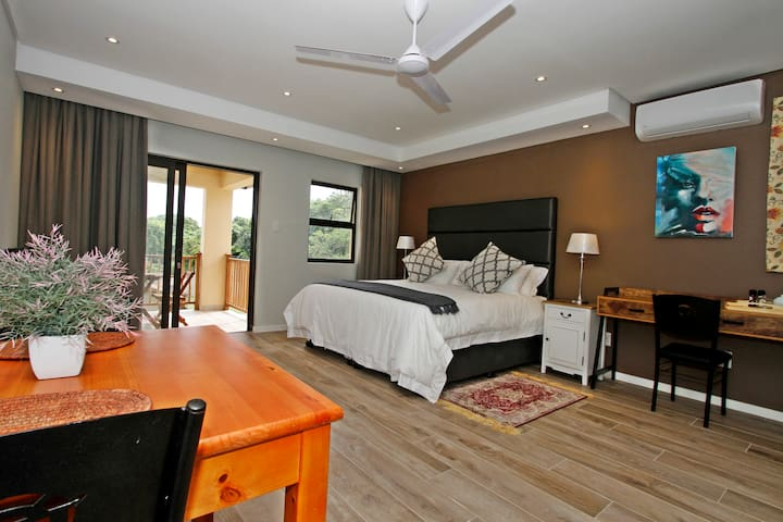 Casa Ridge ..Upmarket self cater accommodation - Umhlanga - Serviced apartment