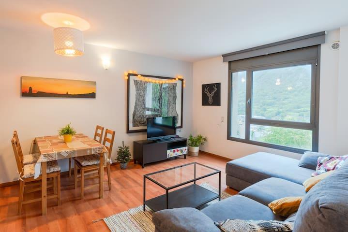 Apartament Funicamp 4p. Wifi & parking HUT2-006045