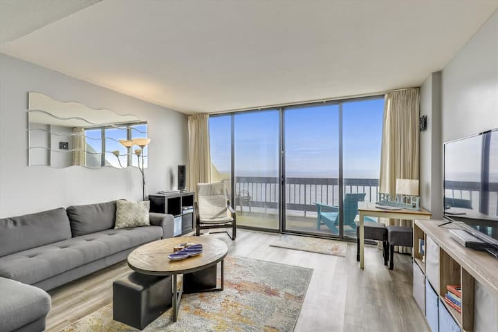 Century I 1922 - Oceanfront with Indoor Pool!