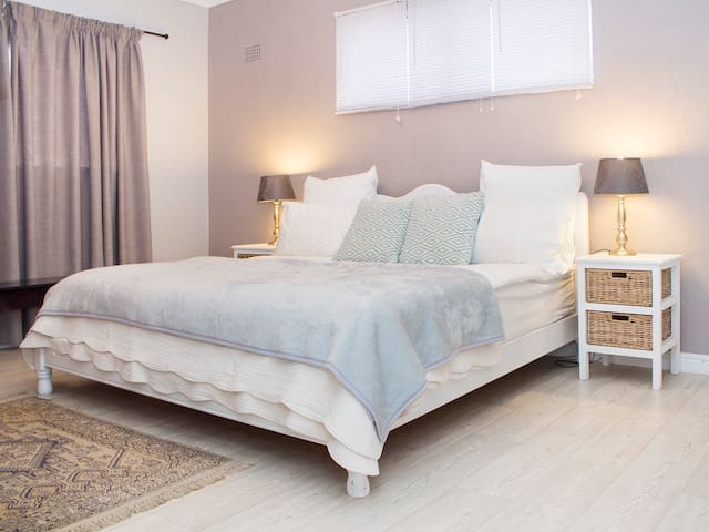 17 on Main Self-catering Accommodation ~ Unit 3