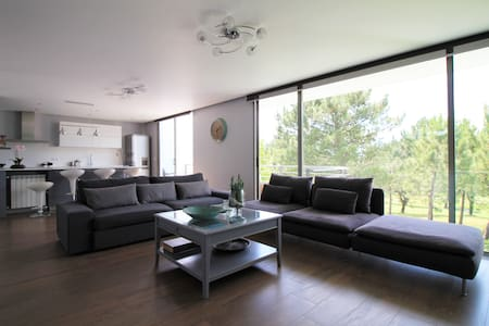 Golf Course - Private flat for family and friends