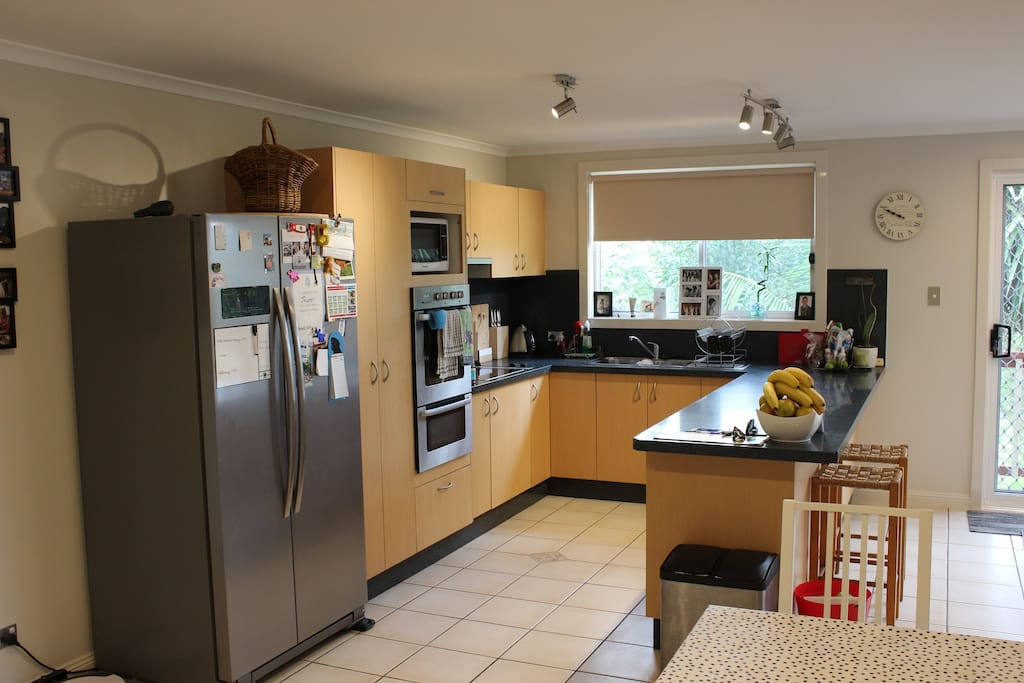 Spacious kitchen, with double oven and double dishwasher drawers