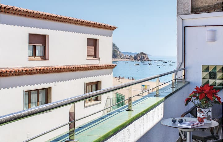 Beautiful home in Tossa de Mar with WiFi and 3 Bedrooms