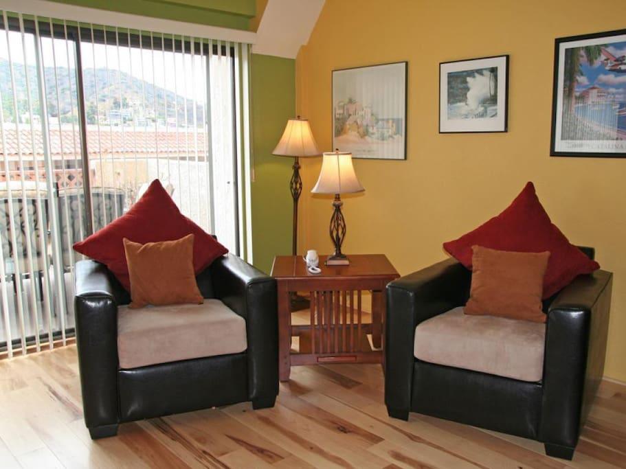 03-1409_Images_69_3-Bahia Vista C54_living room_0014