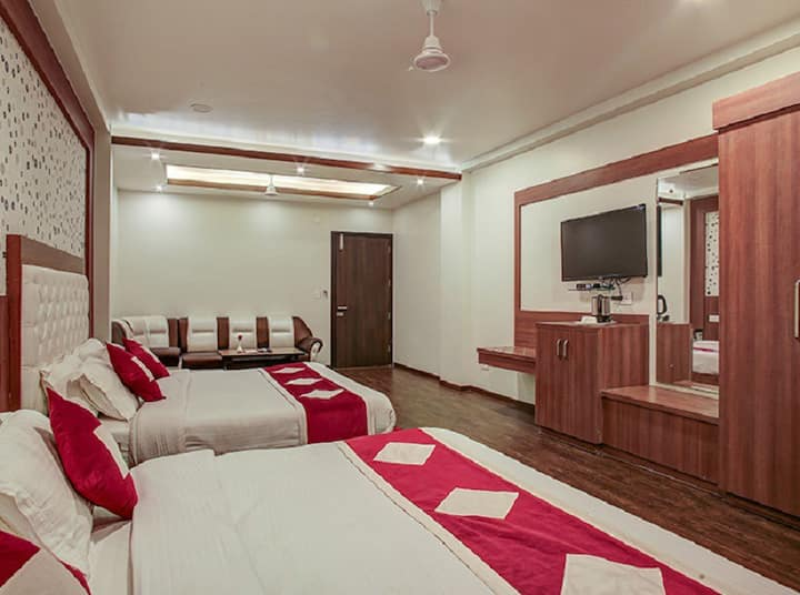 Family Suite Room Hotel The Royal Krishna