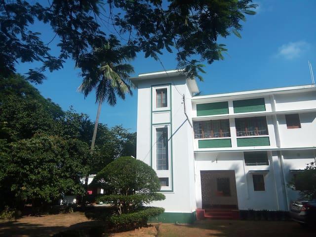 Garden house, Purbapalli, Bolpur - Santiniketan, Bolpur - Hus